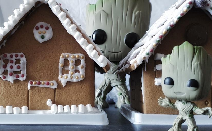 Festive Decor: Gingerbread HouseTutorial